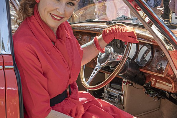 POpen-GOLD-A-47-Lady Driver