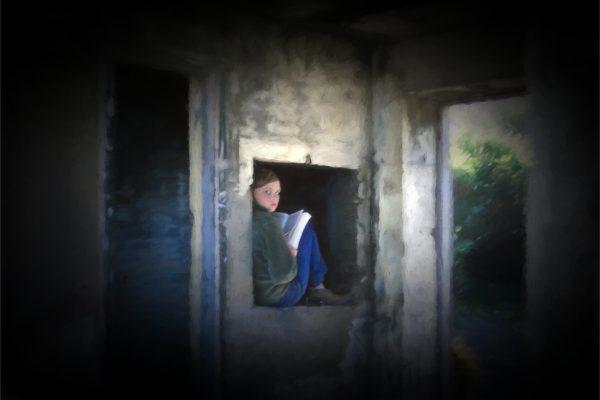 Open-GOLD-A-455-Girl in Bunker