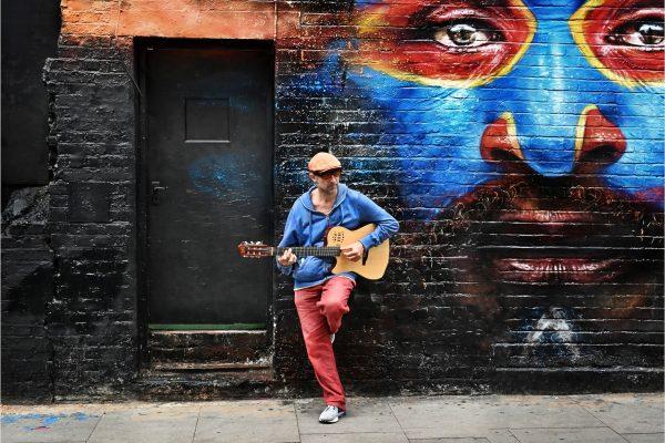 Open-GOLD-A-328-Street Musician
